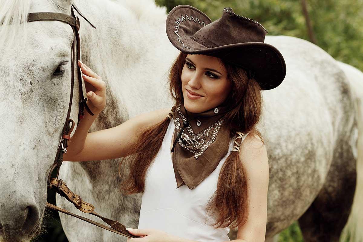 RMG-Cowgirl-&-Horse_1